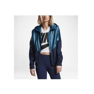 Womens Nke Sportswear Windrunner Jacket 804947-457